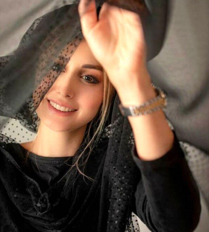 لباس لاکچری همسر شاهرخ استخری در شب یلدا + عکس