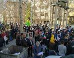 تجمع هواداران احمدی نژاد مقابل منزلش در نارمک برای انتخابات 1400 + فیلم